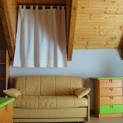 Brisa de Jaca - habitación con sofá cama