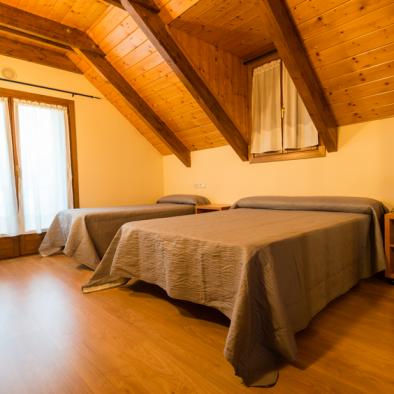 Brisa de Jaca - habitación con cama queen size